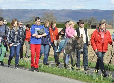 """Pilgerwanderung von Ettenheim nach Rust bei der Veranstaltung """"Die Muschel in Europa"""". Bild: Europa-Park"""