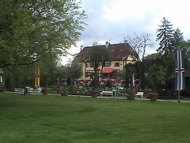 Schloss Balthasar und der Schlossgarten.