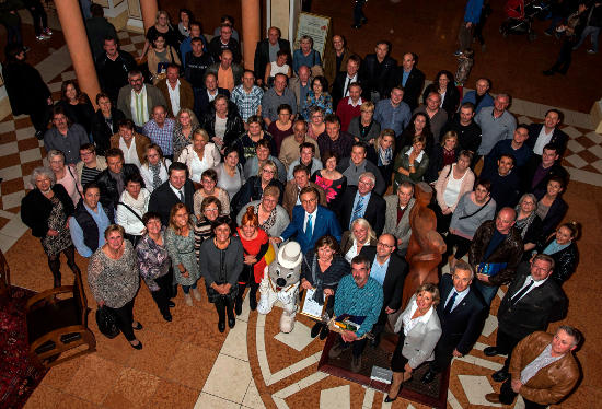 Langjährige Betriebszugehörigkeit: die Jubilare in der Lobby des 4-Sterne Superior Hotel Colosseo. Bild: Europa-Park