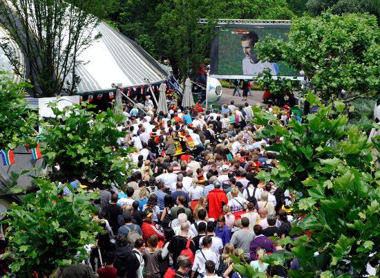 Public Viewing im Europa-Park. Bild: Europa-Park