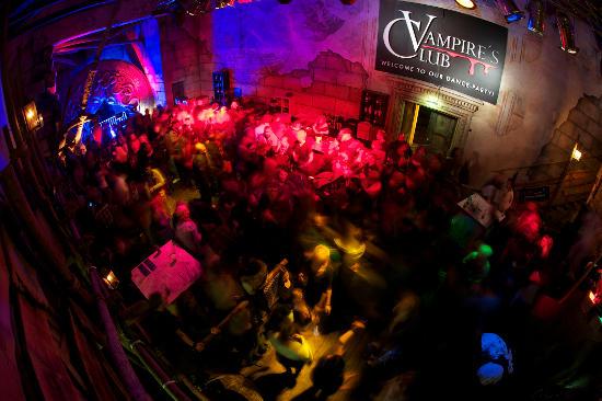 Der Vampire's Club bei den Horror Nights. Bild: Europa-Park