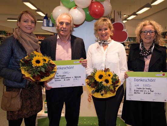 Nathalie Hillebrand, Dr. Hans-Peter Dufner, Mauritia Mack und Ursula Käufer freuen sich über den Ehrenamtspreis. Bild: Europa-Park