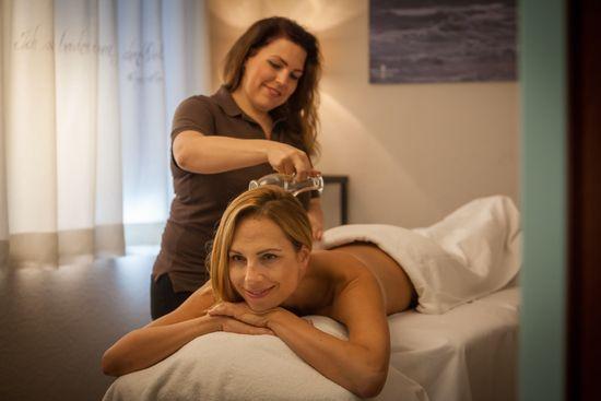 Entspannen bei einer Massage im Europa-Park Hotelresort. Bild: Europa-Park