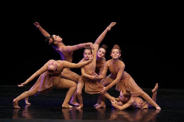 """Mit ihrer ausdrucksstarken Performance schafft es die Gruppe """"We are all from Childhood"""" ganz oben aufs Treppchen. Bild: Europa-Park"""