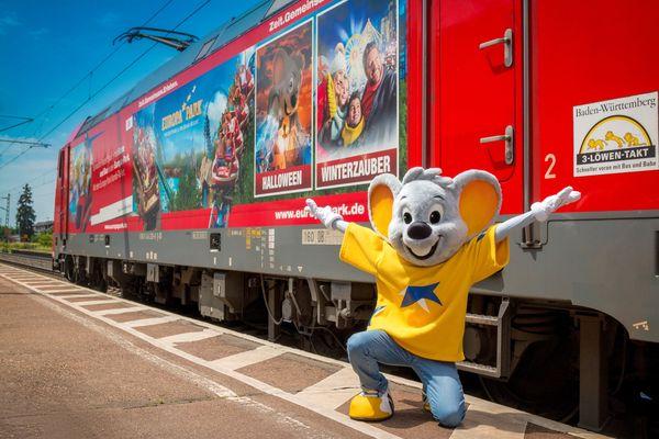Die Lok der Schwarzwaldbahn lädt in den Europa-Park ein. Bild: Europa-Park