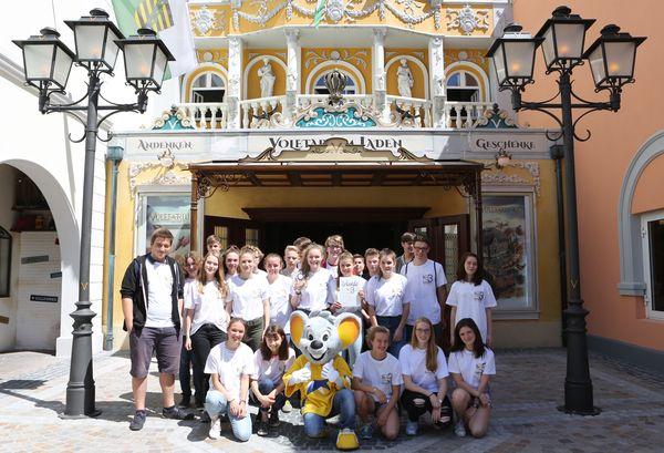 """Die Teilnehmer von """"Mathematik ohne Grenzen"""". Bild: Europa-Park"""
