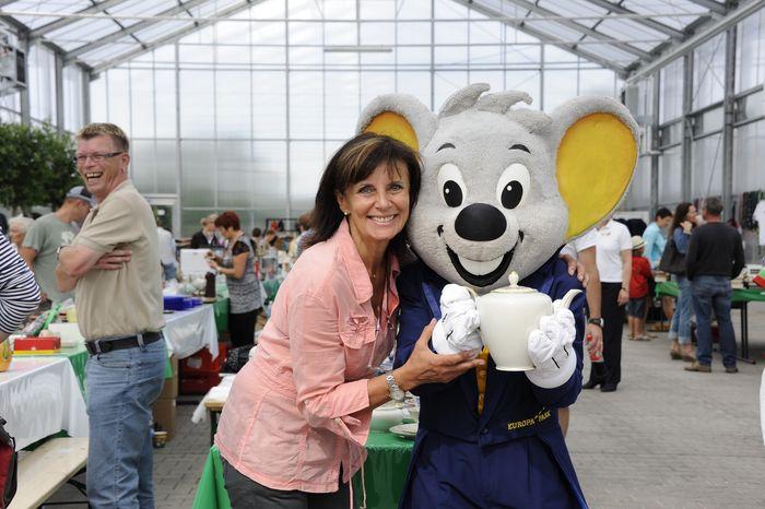 Marianne Mack freut sich auf viele Besucher beim großem Charity Flohmarkt . Bild: Europa-Park