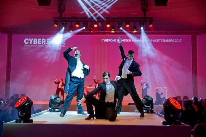 Die Entertainment-Abteilung des Europa-Park sorgt für prächtige Unterhaltung während des Hightech Summit 2017. Bild: Europa-Park
