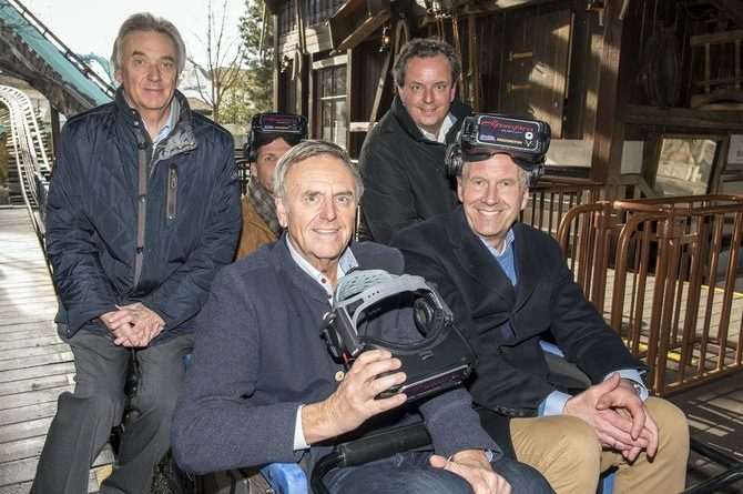 Bundespräsident a.D. Christian Wulff (rechts vorne) gemeinsam mit Jürgen, Roland und Michael Mack. Bild: Europa-Park