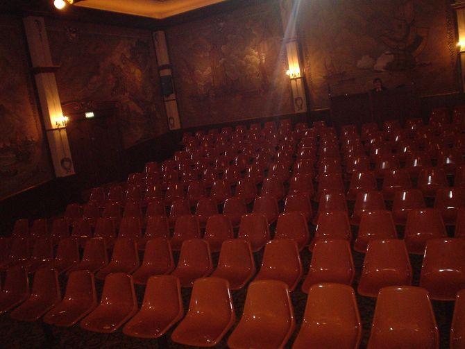 Der Saal im Kindermusical-Theater im Niederländischen Themenbereich des Europa-Park.