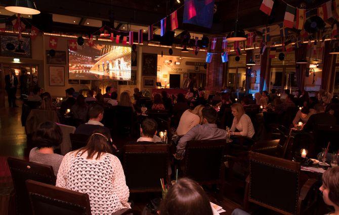 Wer holt die 12 Punkte am 12. Mai? In der Bar Colosseo des gleichnamigen Europa-Park Hotels findet die Public Viewing Party zur 63. Auflage des Eurovision Song Contests statt. Bild: Europa-Park