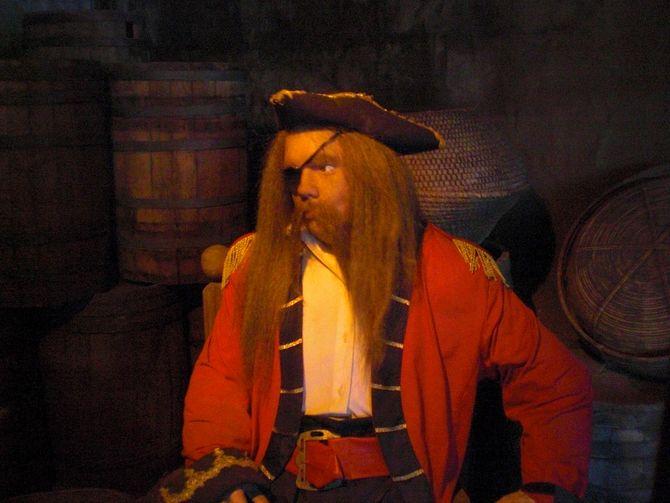 Einer der Piraten im Anstehbereich.