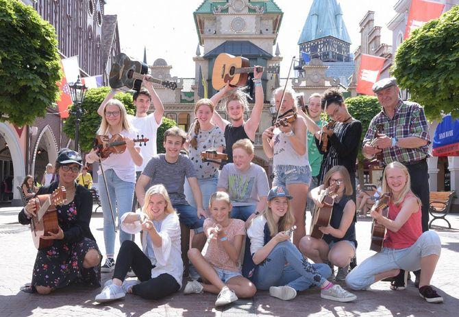 Begeisterte Teilnehmer des 19. Euro-Musique Festivals im Europa-Park: die Irish-Folk Band des Hohenzollern Gymnasiums Sigmaringen. Bild: Europa-Park