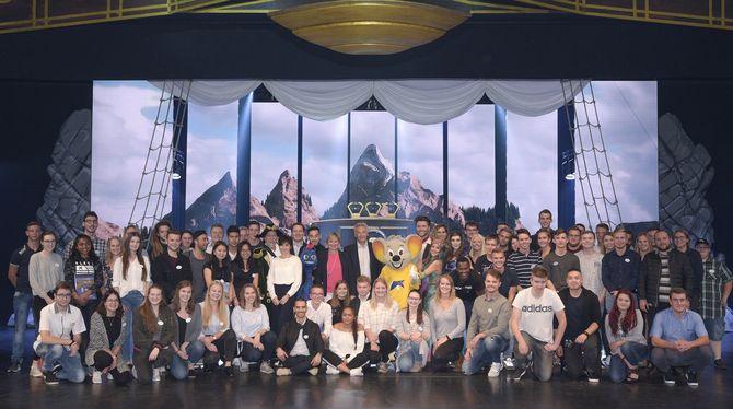 Im Europa-Park hieß die Inhaberfamilie Mack 70 neue Auszubildende und Studierende aufs Herzlichste willkommen. Bild: Europa-Park