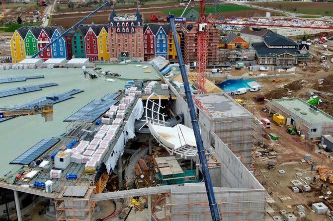 """Das Element der """"Tornado Wave"""" schwebt durch die Dachkonstruktion. Bild: Europa-Park"""