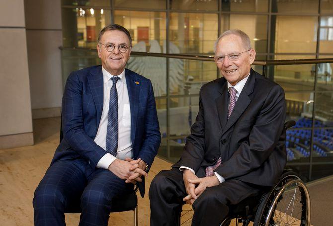 Europa-Park-Inhaber Roland Mack und Bundestagspräsident Wolfgang Schäuble. Bild: Europa-Park