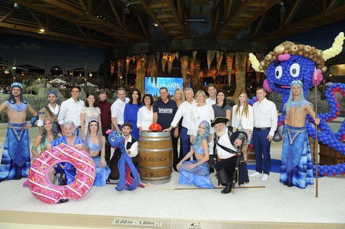Die Europa-Park Inhaberfamilie Mack eröffnet gemeinsam mit Schwimmlegende Franziska van Almsick und Fußball-Nationaltrainer Joachim Löw sowie zahlreichen Künstlern die neue Wasserwelt Rulantica. Bild: Europa-Park