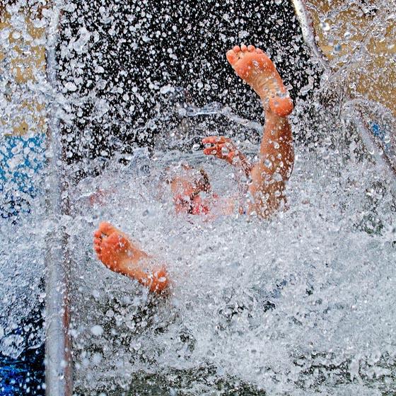 """Spaß im """"Litil Island - Hansgrohe Kinderwasserwelt"""". Bild: Europa-Park"""