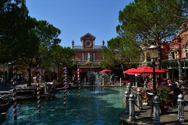 Der Italienische Themenbereich des Europa-Park im Sommer.