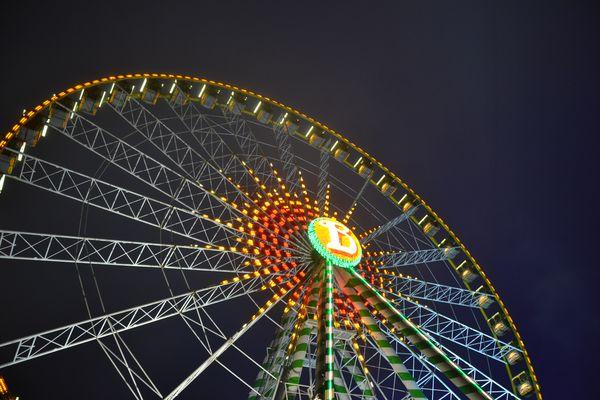 """Das Riesenrad """"Bellevue"""" während der Winteröffnung des Europa-Park."""