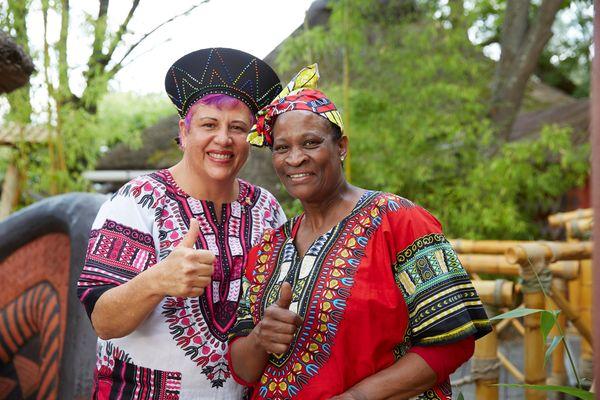 Anita Roux und Maggie Sekepane sorgen für abwechslungsreiche und authentische Gaumenfreuden. Bild: Europa-Park