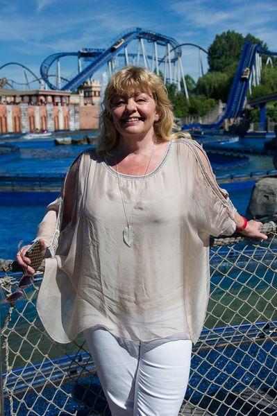 Inger Nilsson genießt den sommerlichen Tag im beliebtesten Freizeitpark Europas. Bild: Europa-Park