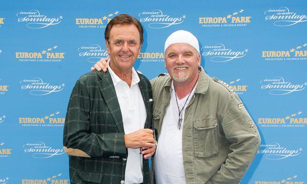 Roland Mack (li.), Inhaber Europa-Park, mit DJ Ötzi. Bild: Europa-Park