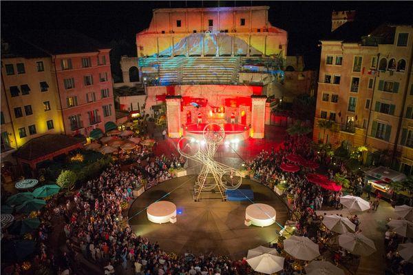 Imperio - Die Show im Hof des Hotel Colosseo. Bild: Europa-Park