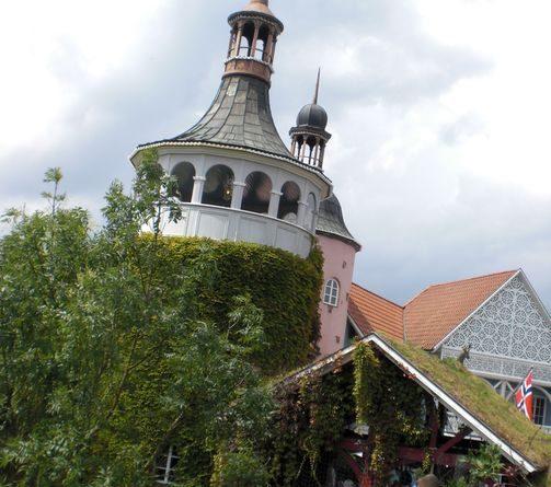 Der Skandinavische Themenbereich im Europa-Park in voller Blüte.