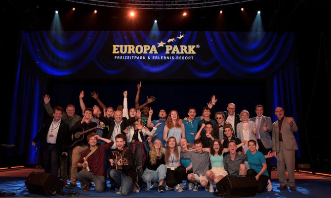 "Die Finalisten des Songcontests ""Welcome to Europe"" 2017. Bild: Europa-Park"