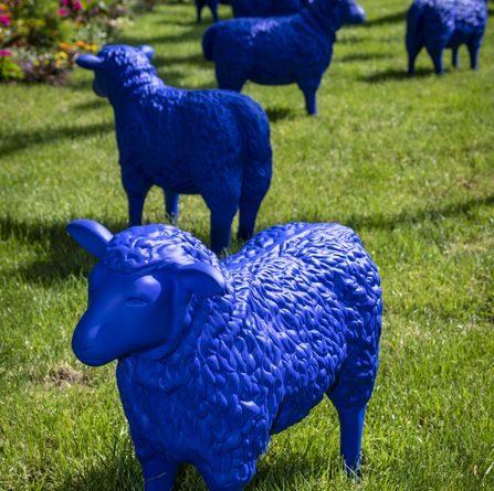 """Die """"blaue Friedensherde"""" grast aktuell in Deutschlands größtem Freizeitpark. Bild: Europa-Park"""