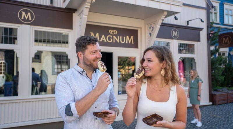 Leckeres Eis gibt es im Magnum Pleasure Store im Isländischen Themenbereich. Bild: Europa-Park