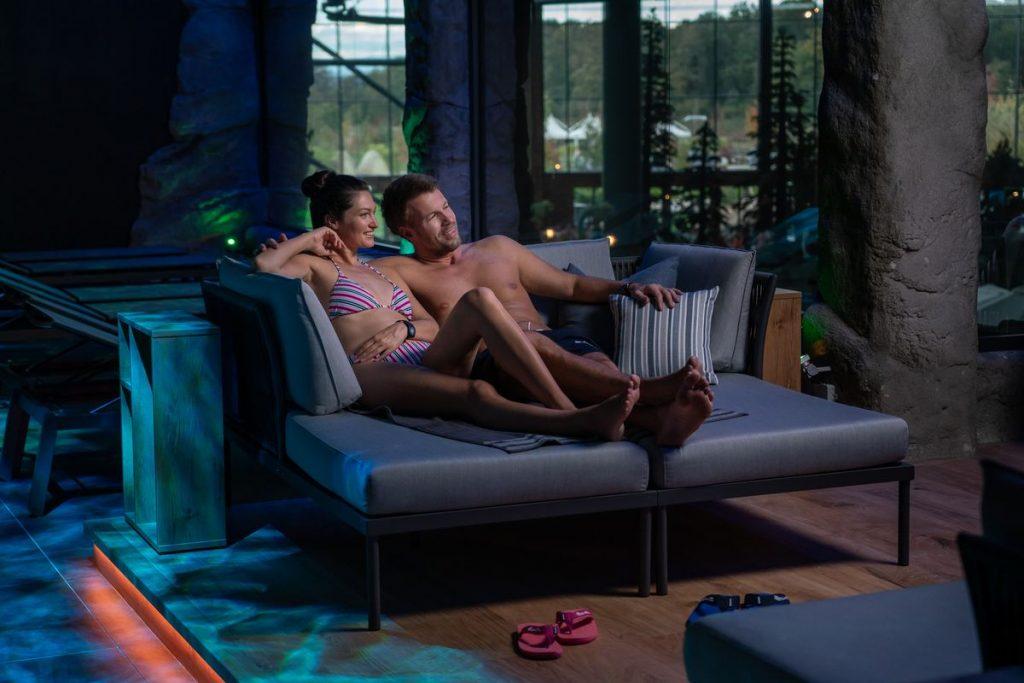 """Der exklusive Ruhe- und Saunabereich """"Hyggedal"""" bietet einen atemberaubenden Blick über die Wasserwelt Rulantica. Bild: Europa-Park"""