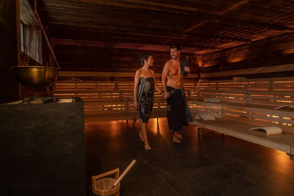 """Seit dem 16. Oktober lädt """"Hyggedal"""" zum Entspannen und Genießen in zwei textilfreien Holzsaunen ein. Bild: Europa-Park"""